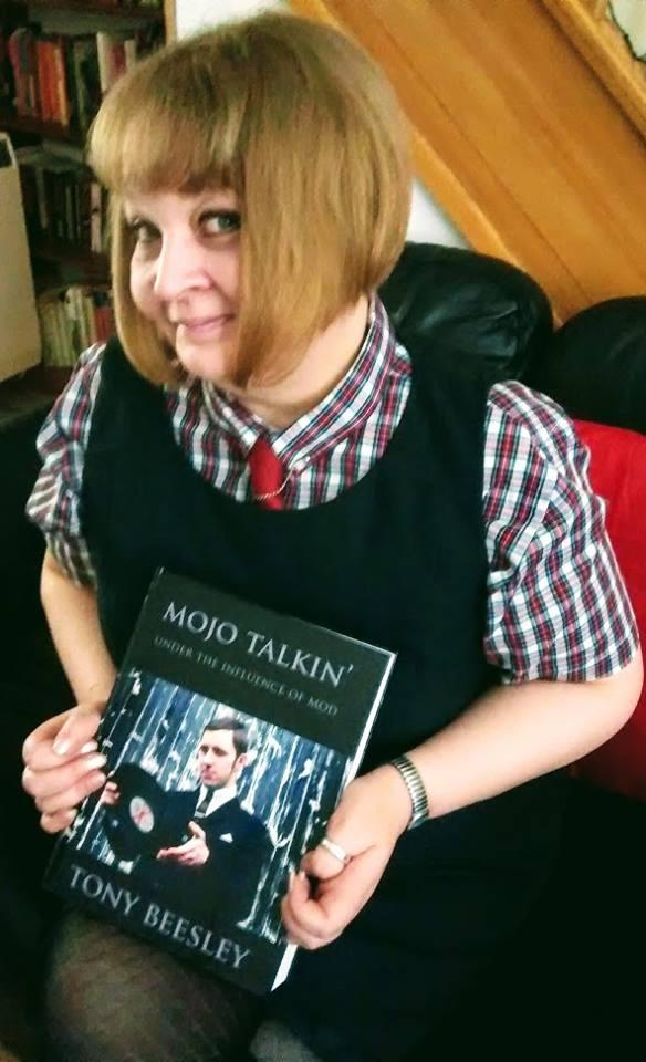Jayne Thomas - Mojo Talkin Under The Influence Of Mod By Tony Beesley