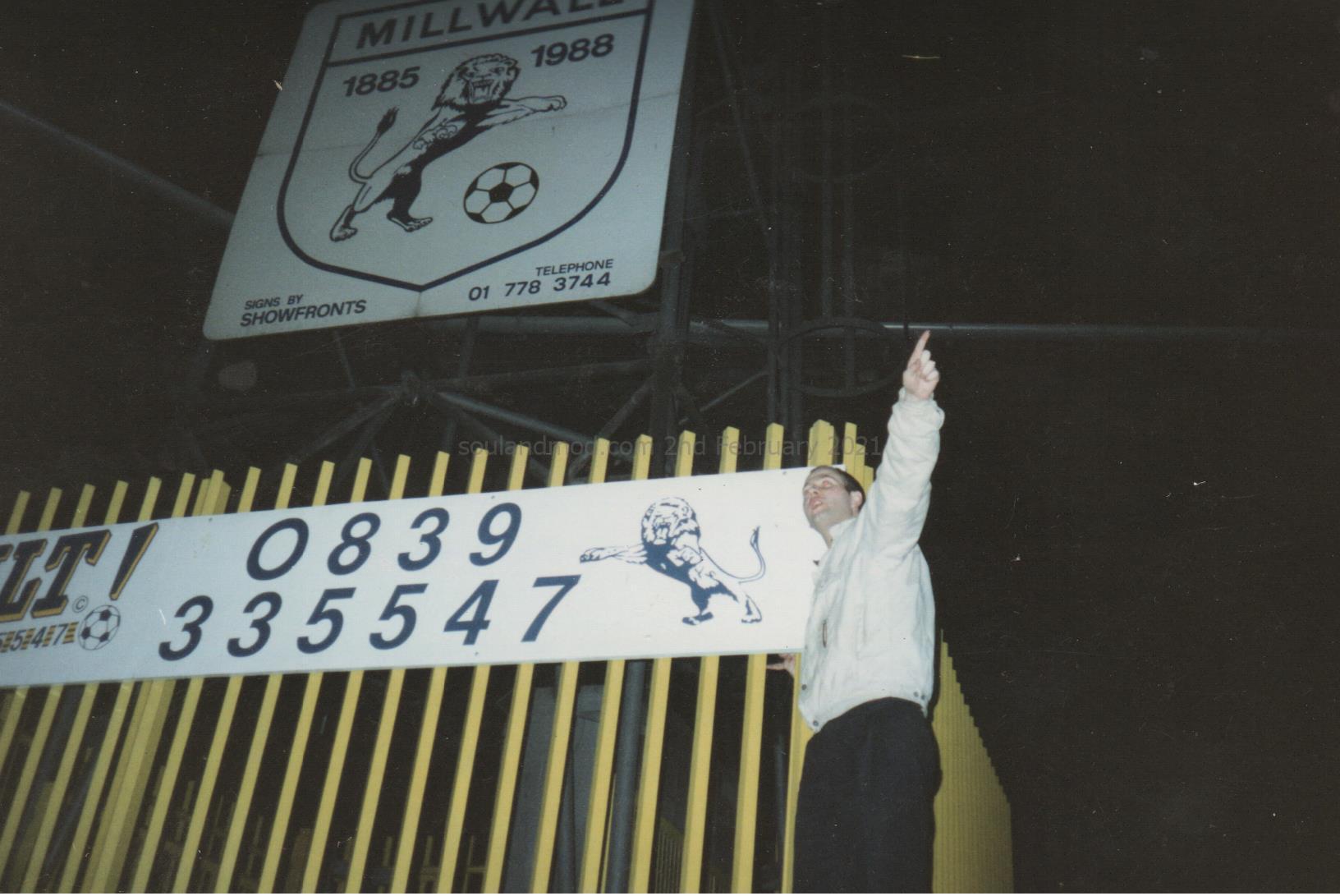 Paul Hallam - Millwall Pylon, 1991